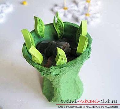 Quilling a bouquet in a flower pot with your hands - a step-by-step master class. Photo №5