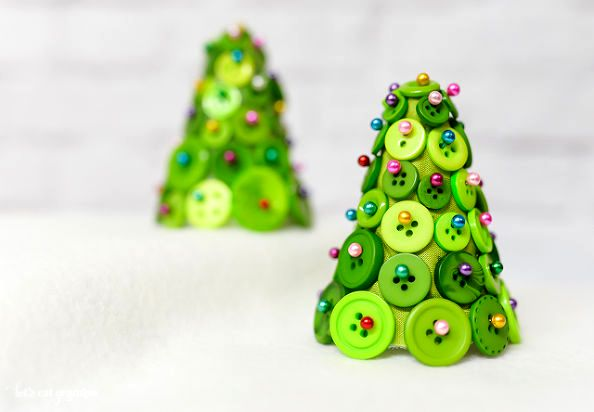 Christmas tree of buttons MK 00