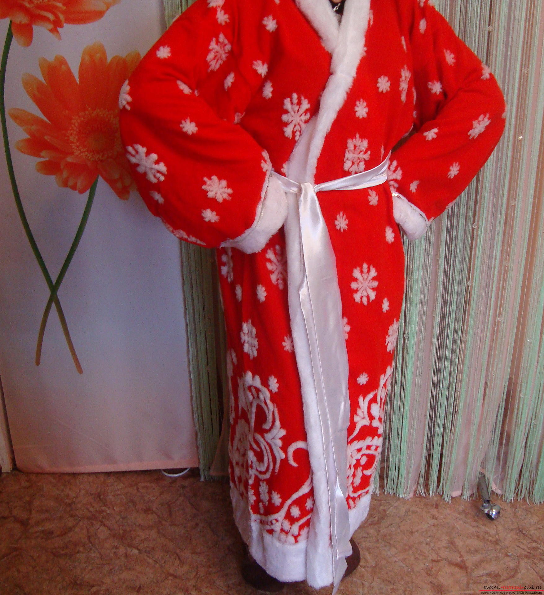 Photo at the lesson on the creation of Santa Claus costume. Photo №5