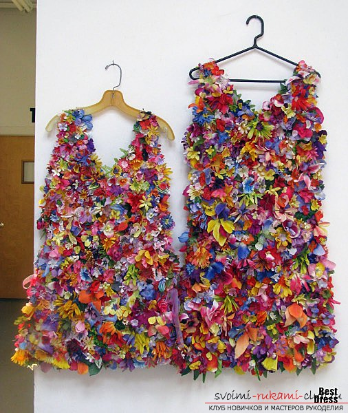 How to make a dress from flowers for events: Variants of flowers, tailoring, ideas. Photo №6