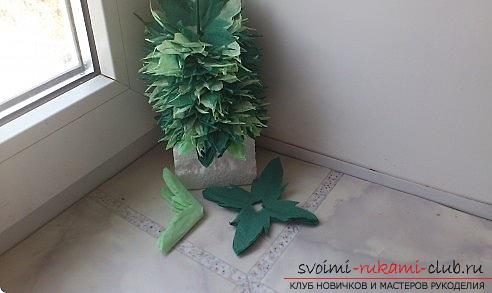 How to make a beautiful tree topiari from napkins, step-by-step photos and a detailed description of the work on creating topiary with different colors. Photo number 12