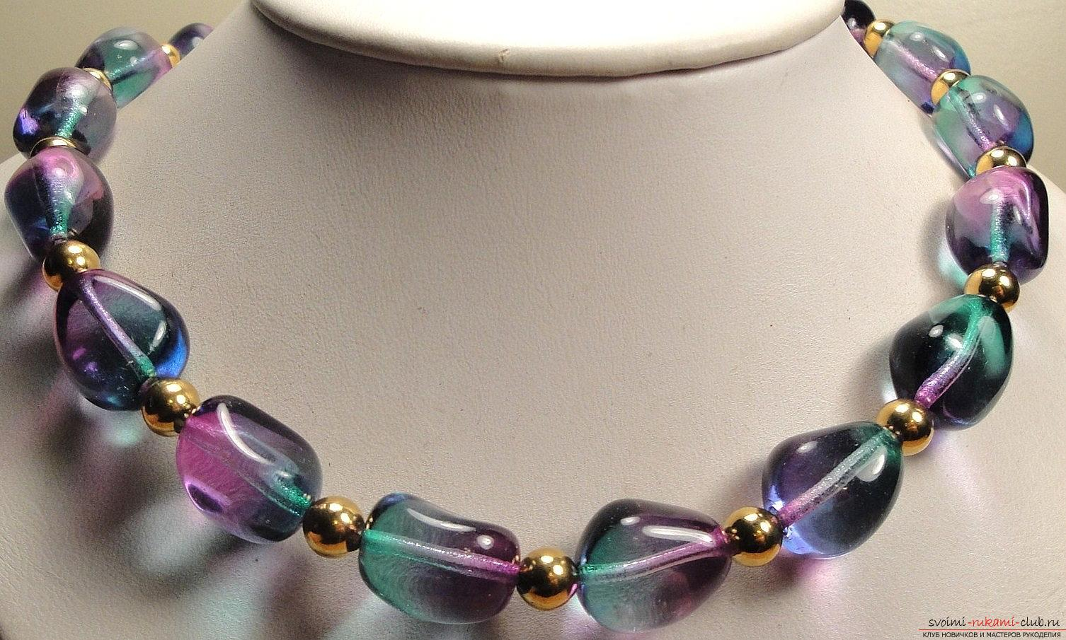 Beautiful beads with transparent clay with their own hands - colored beads. Photo №6