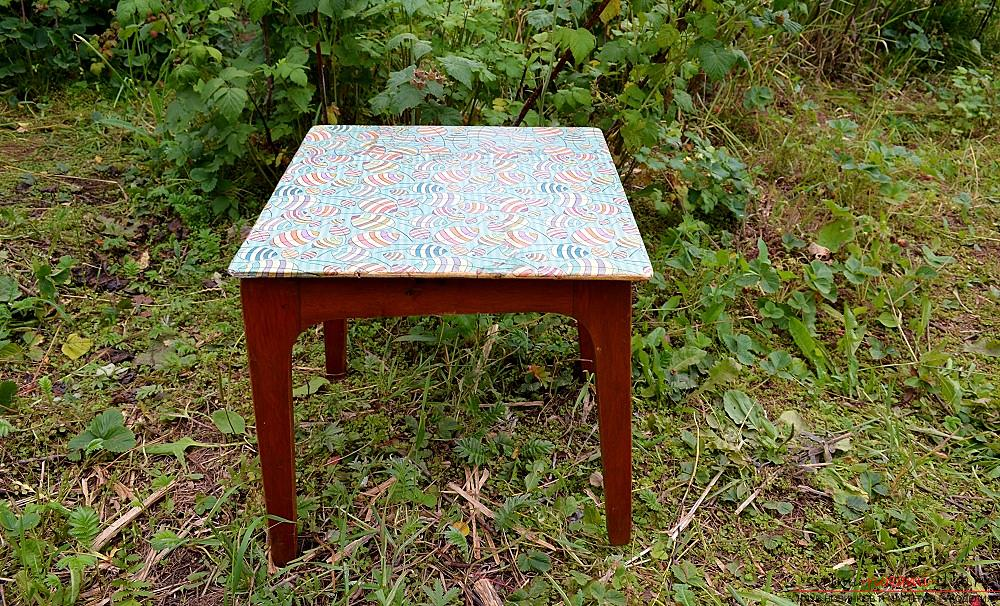 This master class with photo and description will show the technique of decoupage of country furniture - stools. Photo # 1