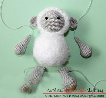 Tie the lamb amigurumi with your own hands using the hook: step-by-step description and photo. Photo number 16