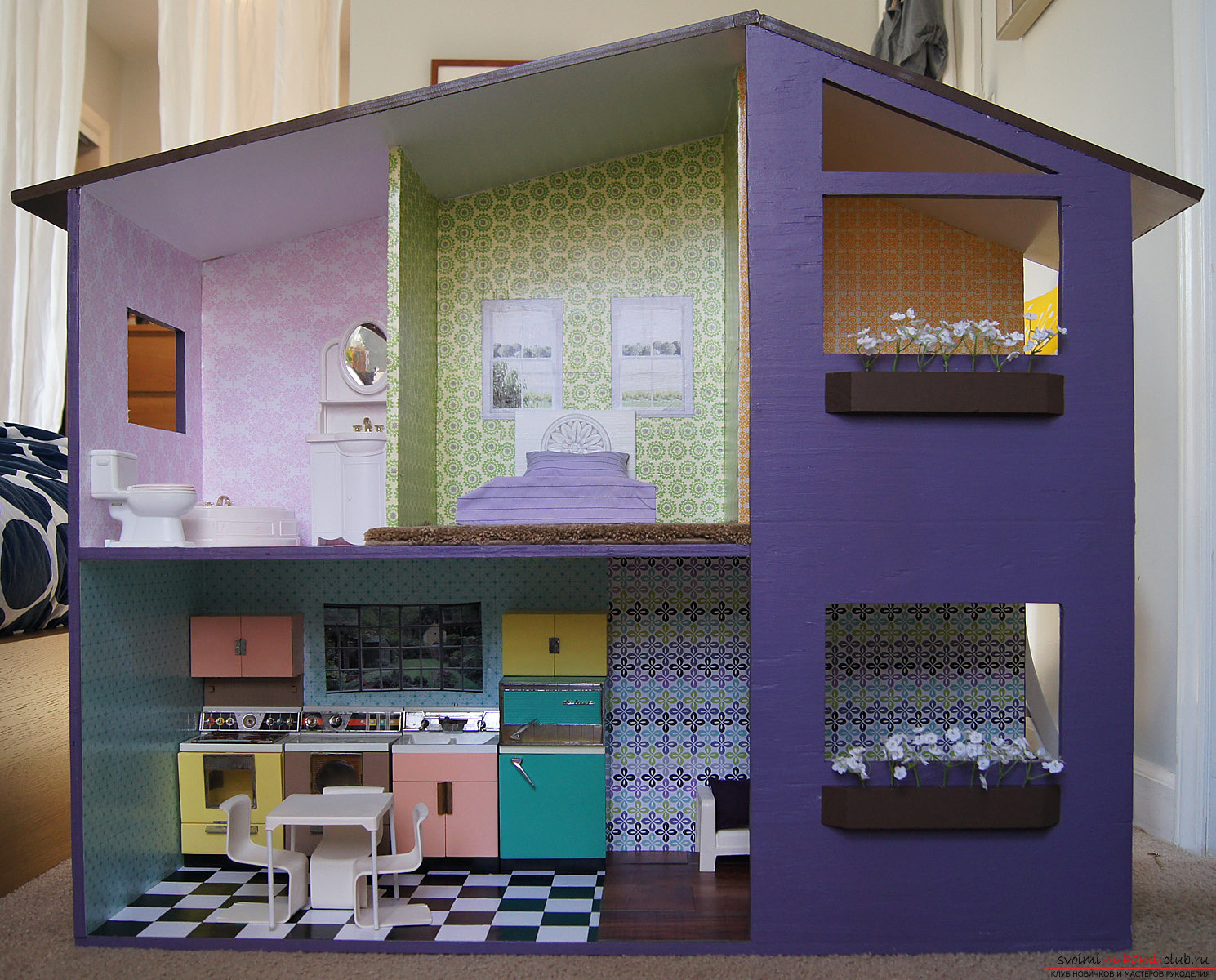 How to make a doll house from improvised funds with your own hands? - Practical moments and tips for creating. Photo # 2