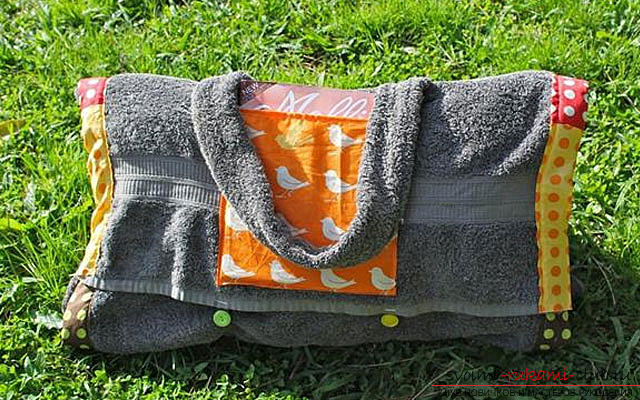 Sewing a beach bag of terry towels. Photo number 12