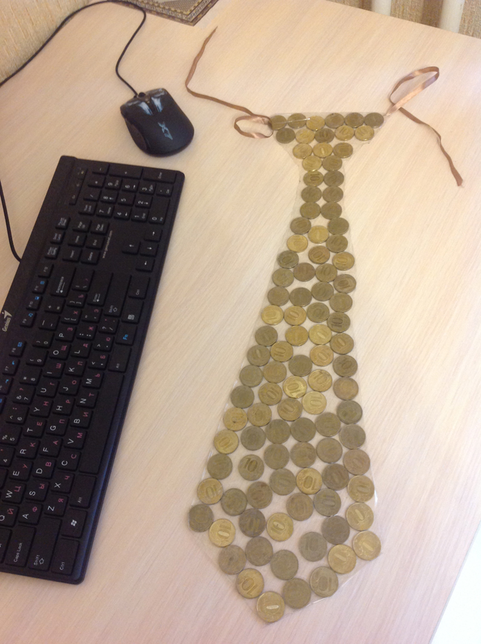 Tie from coins
