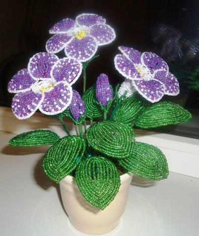 Gloxinia from beads in a step-by-step master class (photo)