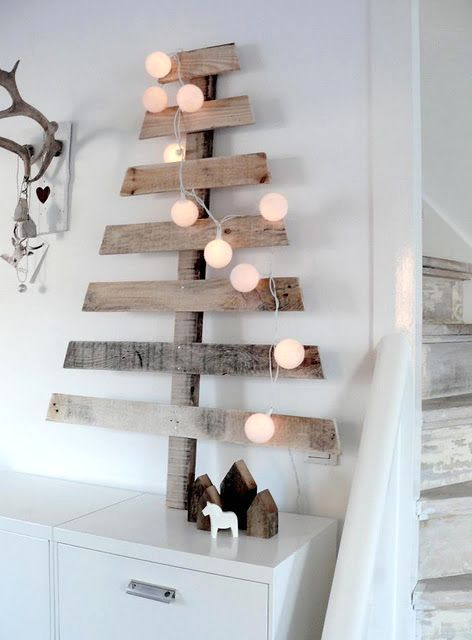 New Year tree with own hands from a pallet pallet