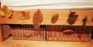 ideas of autumn decor using leaves as the basis of all decorations (24)