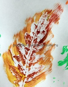 Interesting crafts from autumn leaves