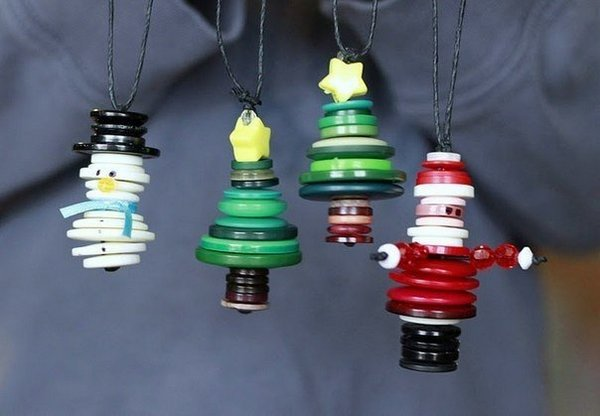Christmas tree toys of buttons