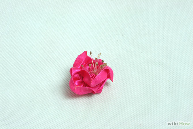 Kanzashi is a master class. Flowers from satin ribbons with their own hands.