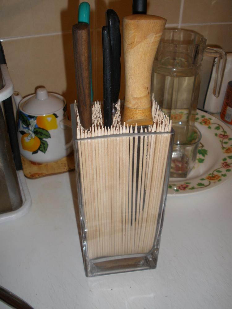 knife stand with bamboo sticks
