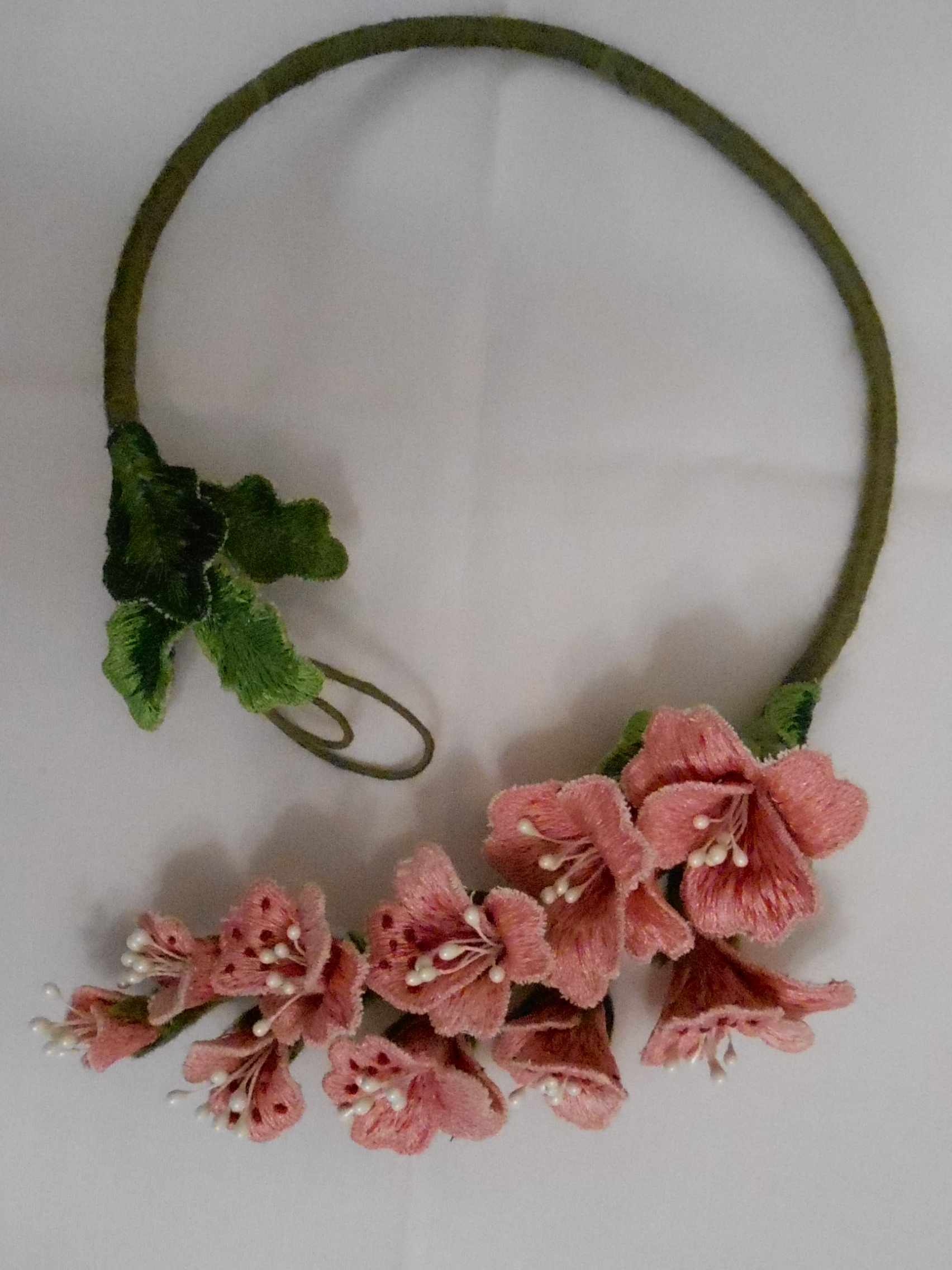Necklace with own hands.
