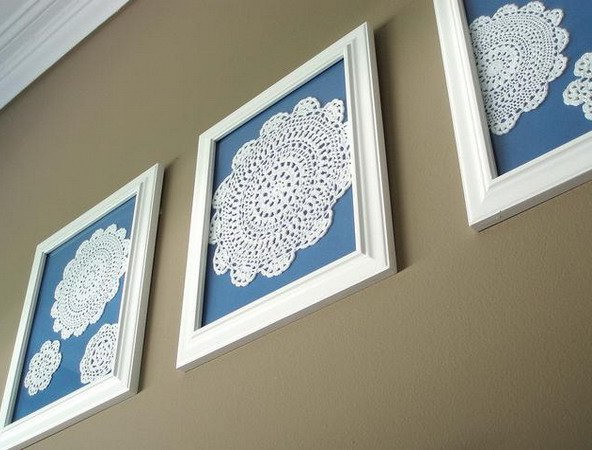 White lace napkins for wall decor