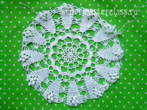 Crochet round napkins with diagrams and descriptions
