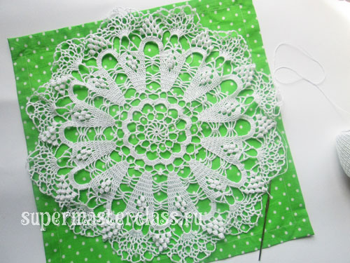 Openwork round crochet napkins: diagrams and description