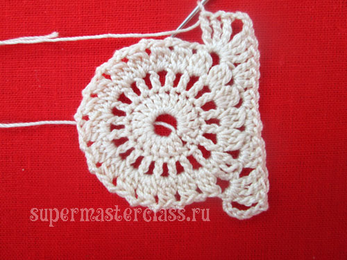 Crochet: square napkins with patterns