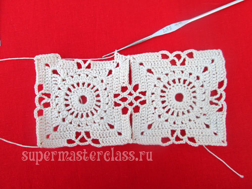 Crocheted square napkins (with diagrams)
