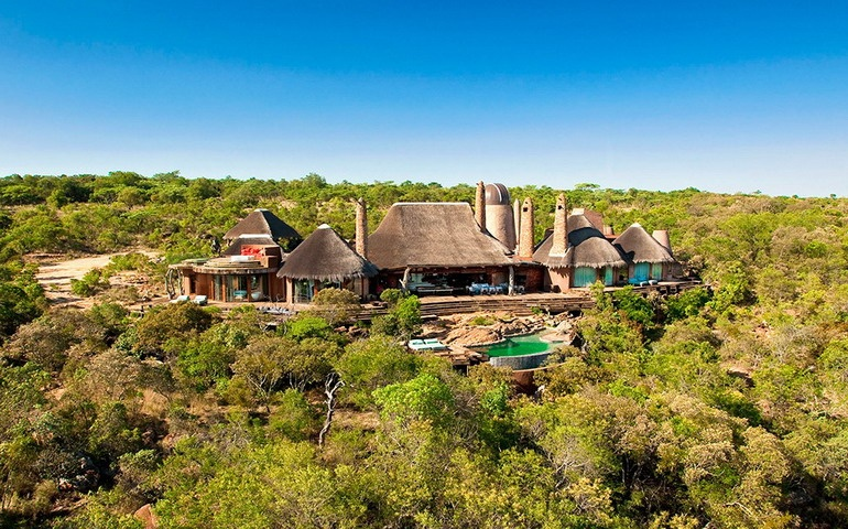 Villa in South Africa away from civilization for relaxation and African safari: photos