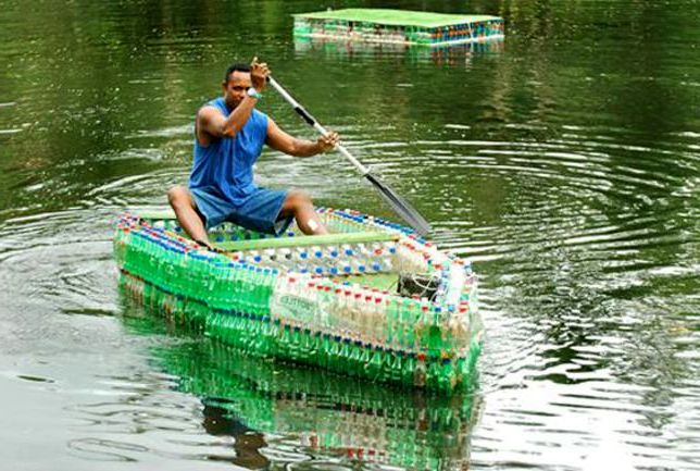 How to make a boat with your own hands from plastic bottles