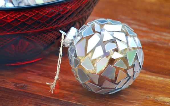 Christmas balls from CDs