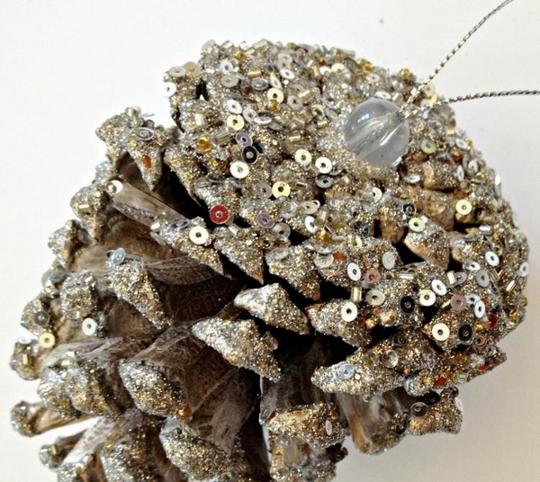 New Year decor from natural material with your own hands