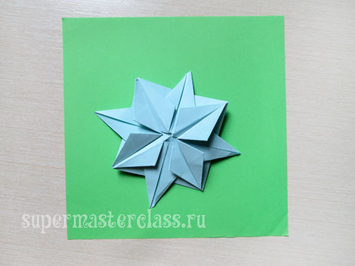 The size of the origami star and the paper from which it is made