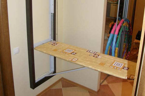 Folding table for ironing clothes