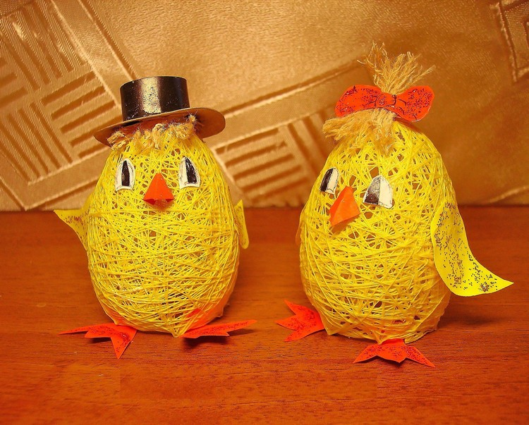 Funny chickens from balls and threads
