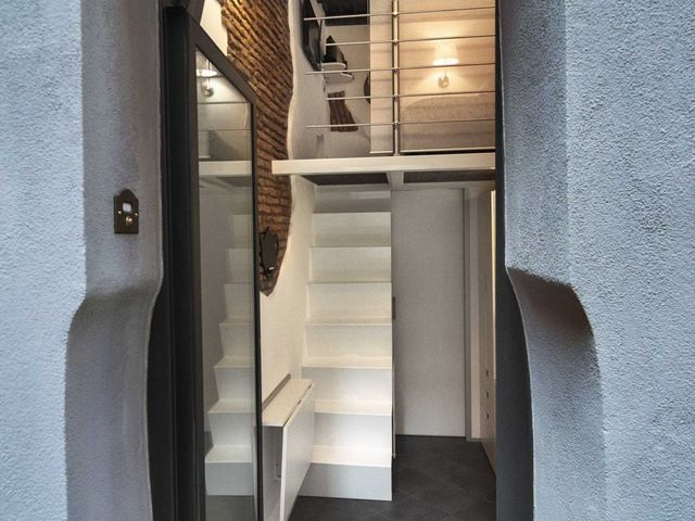 the smallest apartment in Italy 7 sq m, entrance