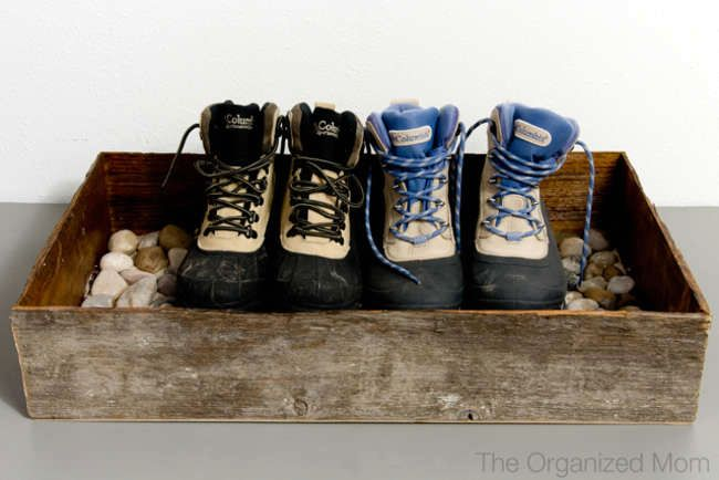 pallet for dirty shoes by your own hands 01