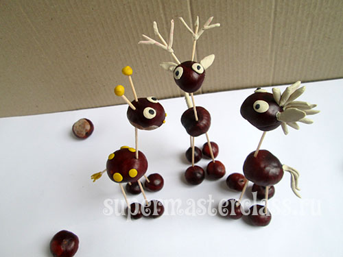 Handicrafts from chestnuts for kindergarten
