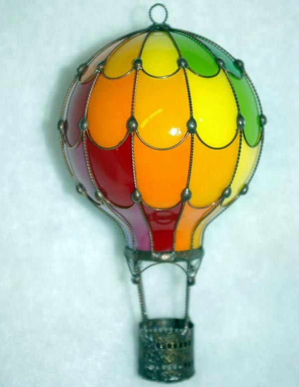 Souvenir balloon from a light bulb