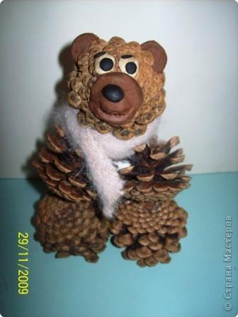 Crafts from cones by own hands - Bear