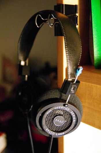 Headphone stand with your own hands
