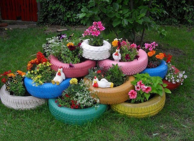Flower bed of car tires