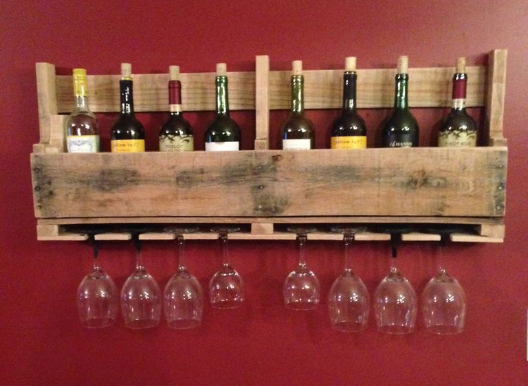 Shelves for wine and glasses from a wooden pallet