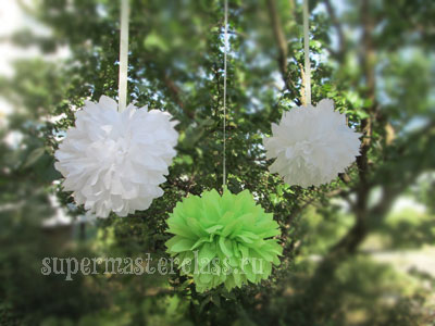 Paper pompons with their own hands