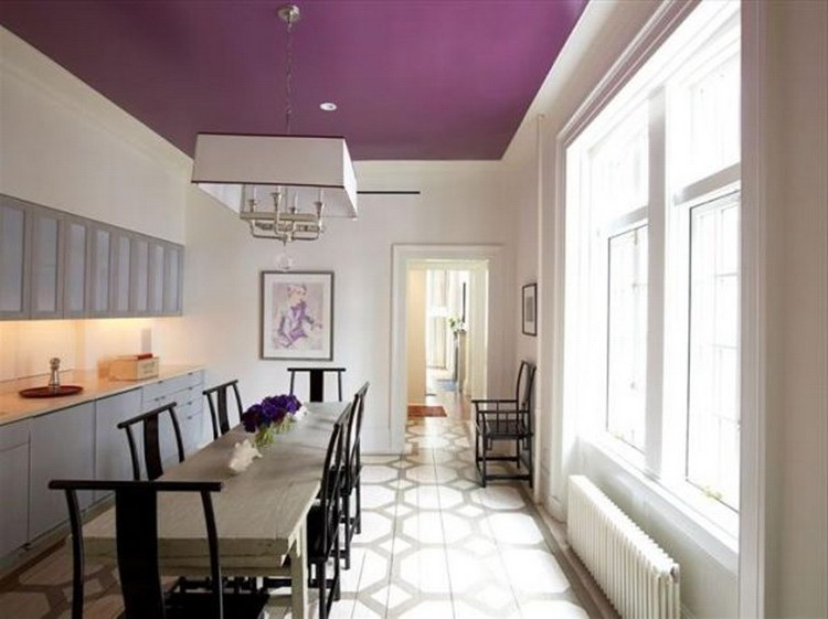 Purple ceiling in the dining room