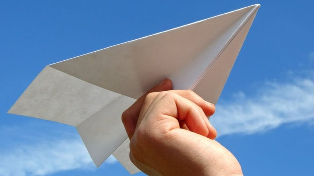 how to make a plane out of paper
