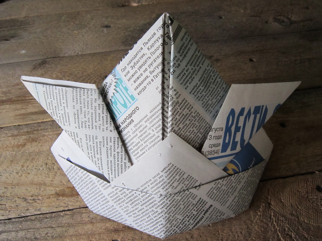 A cap of paper with your own hands