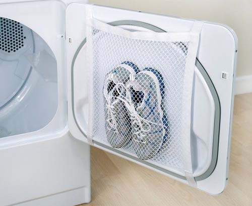 The device for washing sneakers