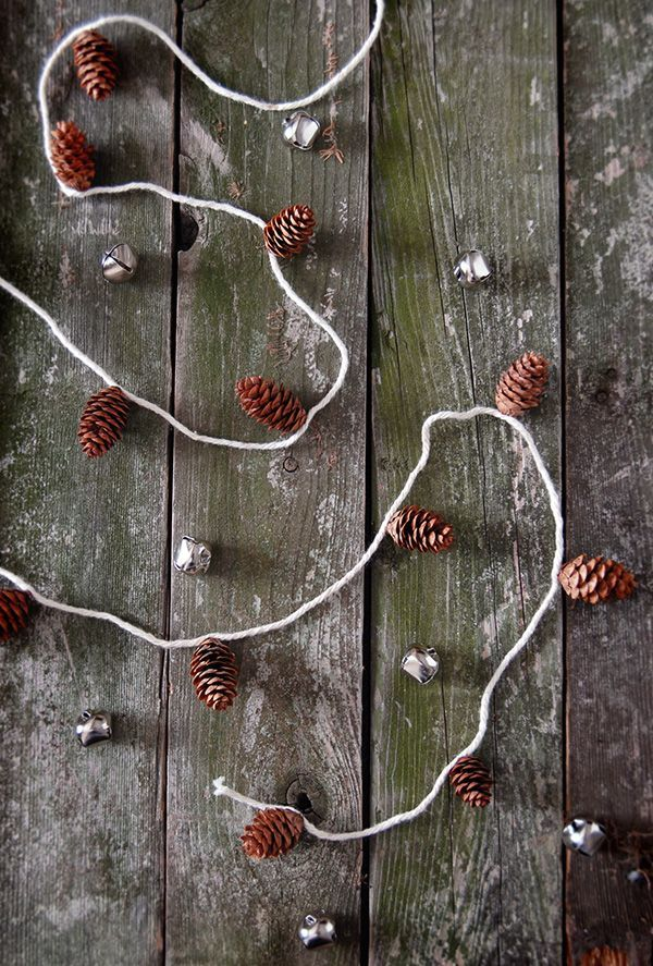 simple garland of cones with your own hands 05