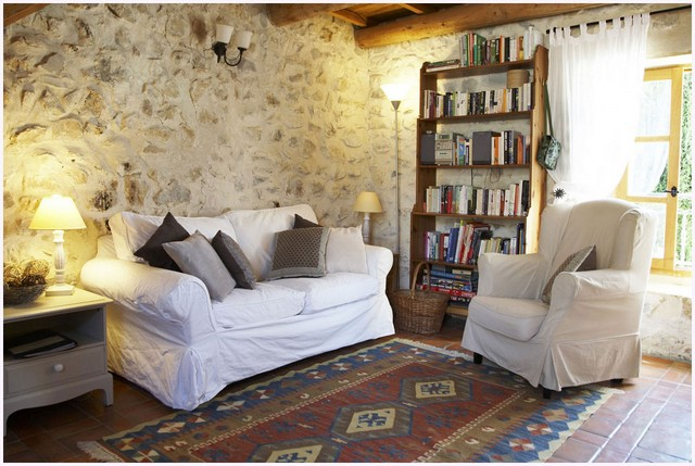 Wall decoration option with natural stone in light shades in Provence style