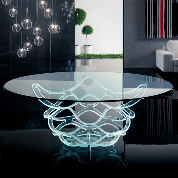 Transparent glass table in the interior