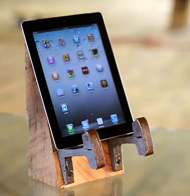 stand for gadgets from sleepers and rail