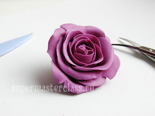 How can I make a rose from plasticine