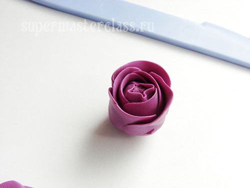 Sculpting roses from plasticine